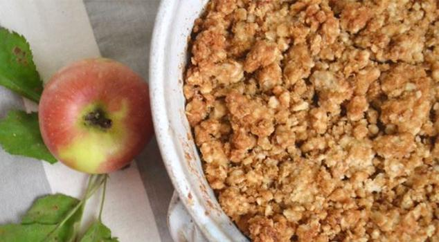 Perfectly Crumbly Apple Crisp Recipe