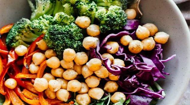 Broccoli and Chickpea Rainbow Power Bowl Recipe